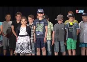 A Devecseri Gárdonyi Géza Általános Iskola tanulóinak anyák napi műsora
