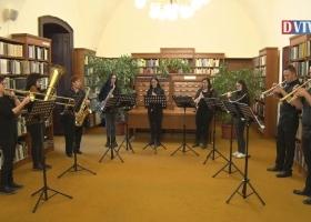 Karácsonyi dallamok a Devecseri Zeneiskola előadásában