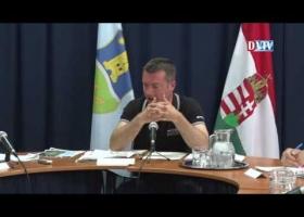Devecser Város Önkormányzatának 2016.06.09-i rendkívüli Képviselő-testületi ülése