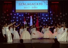 A Máltai Szeretetszolgálat Devecseri Szakközépiskolájának szalagavató ünnepsége