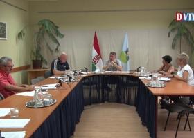 Devecser Város Önkormányzatának 2018.08.01-i Képviselő-testületi ülése