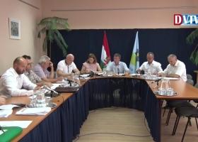 Devecser Város Önkormányzatának 2017.08.30-i Képviselő-testületi ülése