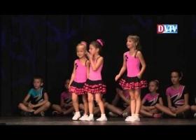 Free Kid táncbemutató