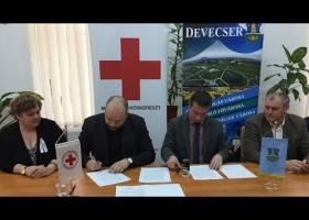 Stratégiai partnerségi együttműködési megállapodás Devecser Város és a Magyar Vöröskereszt között